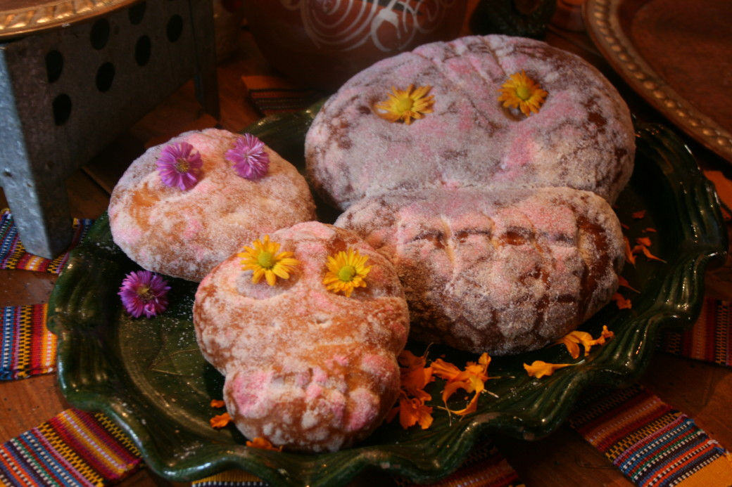 Day of the Dead bread Pan de Muetos