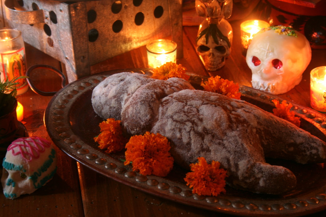Day of the Dead Bread Pan de Muertos